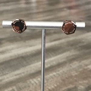 MARC by Marc Jacobs Logo Rose Gold Stud Earrings🤩